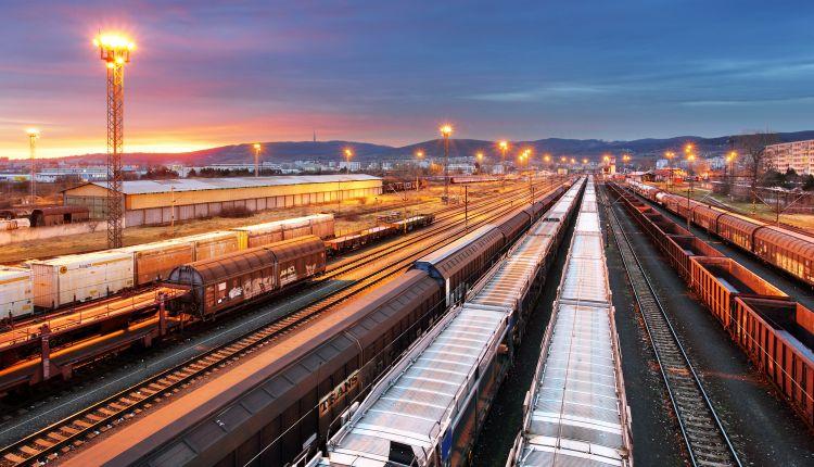 Train freight – Cargo railroad industry